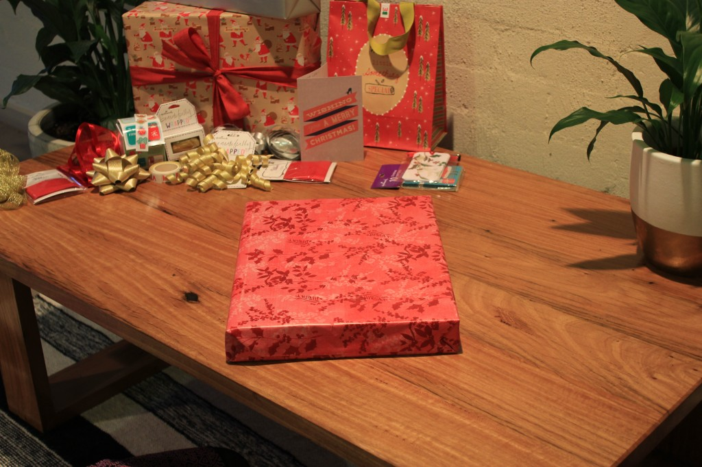 hallmark wrapping paper
